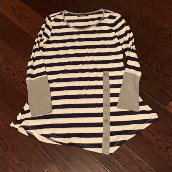 Zattcas Tops - Cute striped tunic with button detail